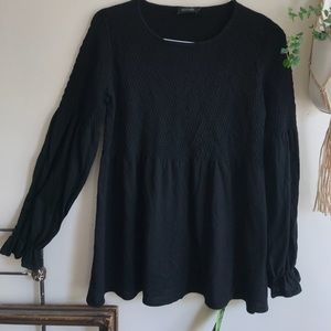 Rouched black sweater top